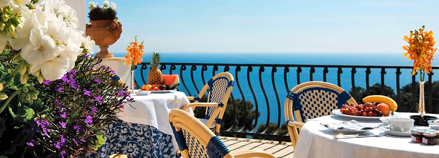 Scalinatella Capri - Open air breakfast
